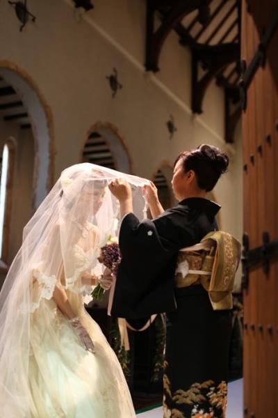 ベールダウン 森の教会 結婚式