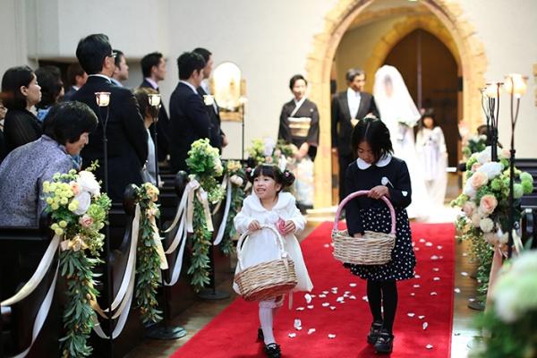 森の教会 結婚式 可愛らしいキャスト